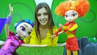 Лучшие подружки - Куклы Сказочный Патруль: Алёнка и Варя - Ищем подсказки
