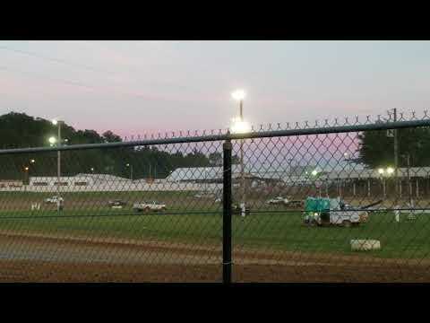Jackson Co Fair Brownstown Speedway 7-28-18 hornet heat 1