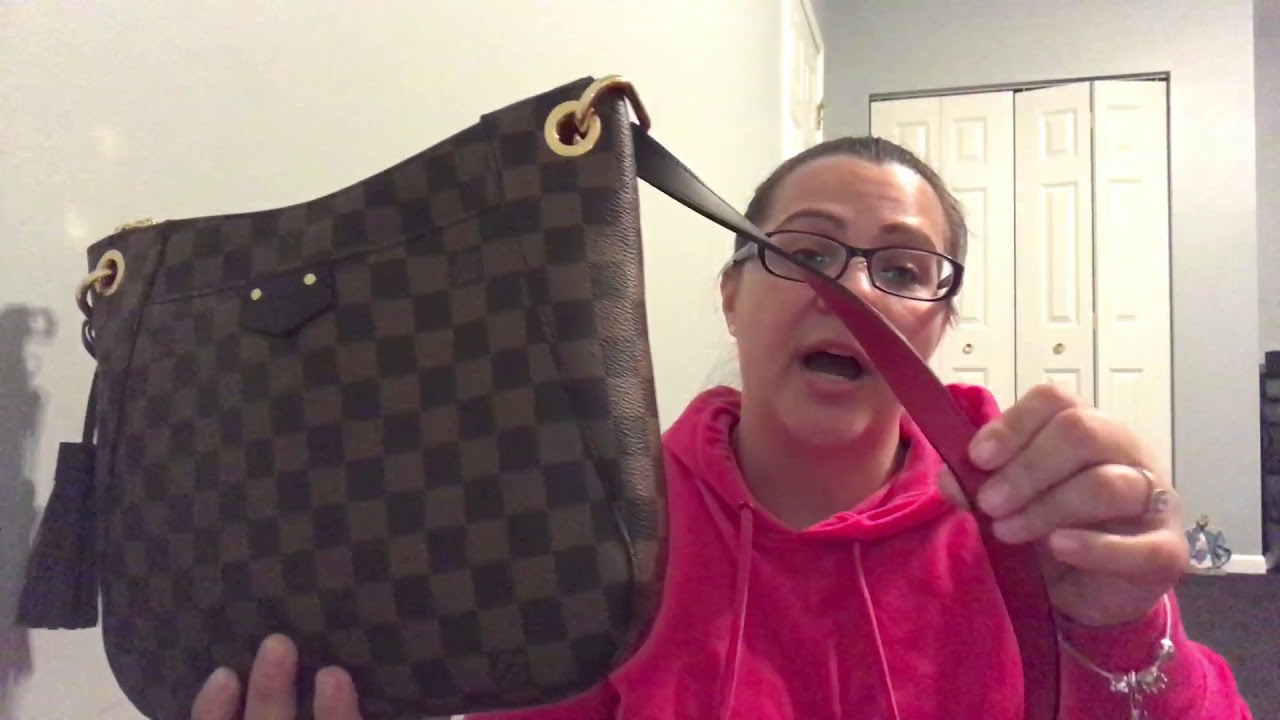 82ce1ed5c3d Louis Vuitton south bank besace update - YouTube