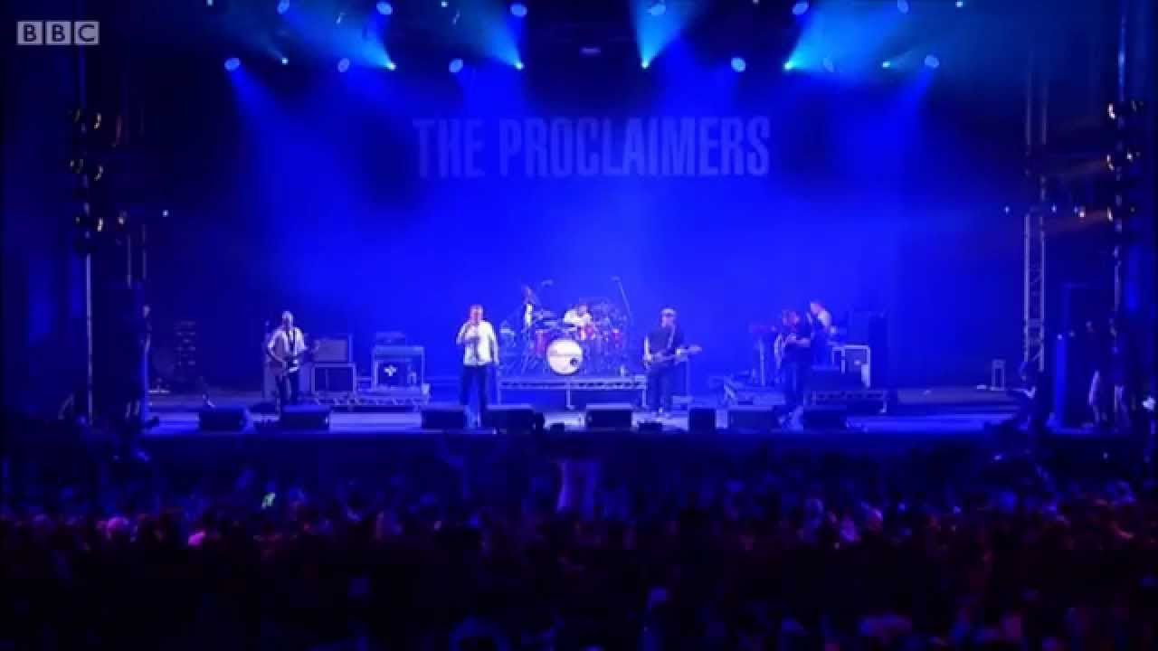 The Proclaimers 08 Cap In Hand Live At T In The Park 2015 Youtube
