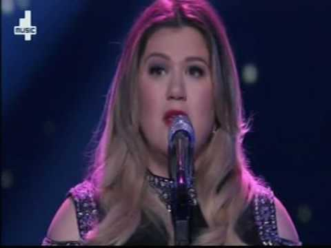 American Idol Kelly Clarkson sings Piece by Piece