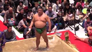 2018.3.3 大阪・梅田のグランフロント大阪で現役力士が取り組みなどを披...
