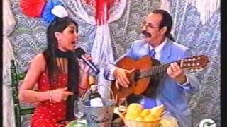 Marta Quintero cantando sevillanas en la Feria de Abril de Sevilla