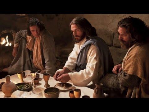 A Última Ceia: Ao encontrar-se com Seus discípulos em uma sala mais acima, Jesus lava-lhes os pés, institui o sacramento e ordena-lhes que amem uns aos outros.