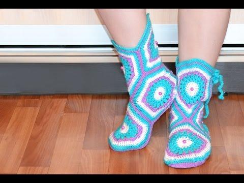 Мастер-класс по вязанию тапочек-сапожек крючком. How to crochet home slippers, boots - Cмотреть видео онлайн с youtube, скачать бесплатно с ютуба