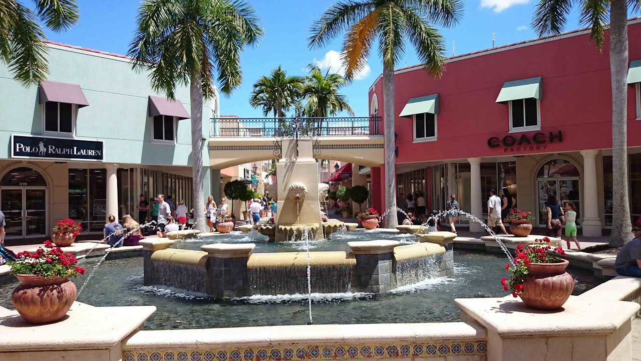 Miromar Outlets - Amenities Miromar Outlets features a