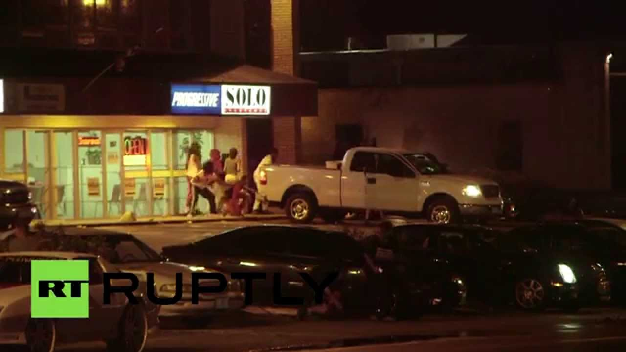 Два человека получили ранения в ходе акции протеста в Фергюсоне