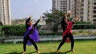 Kudukku Pottiya - Dance Cover| Mallu hit|  Love Action Drama | Gayathri Ramesh | Surbhi Kochar