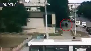 Видео ликвидации напавшего на прохожих в Сургуте