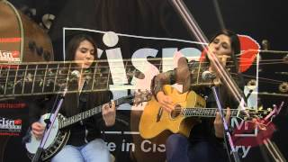 alee performs moonshine at cisn country