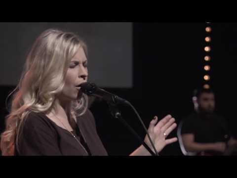 Bethel Music Moment: Find Me - Jenn Johnson