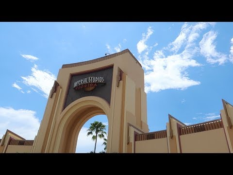 How Far Is The Walk To Universal Studios Orlando From Onsite & Offsite Hotels | An Experiment