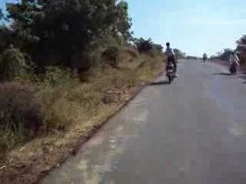 Om Stunt In Bhalki Bidar Road, On Karnataka.flv