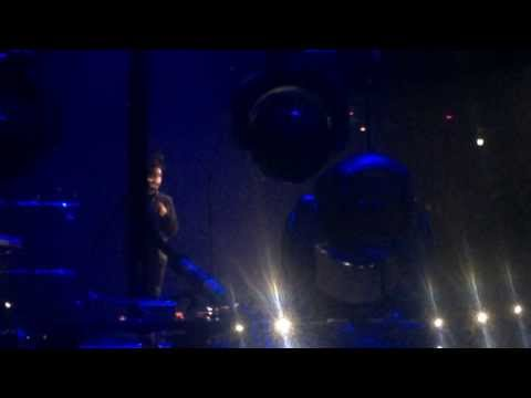 The Weeknd - Glass Tabel Girls live in Amsterdam 2014
