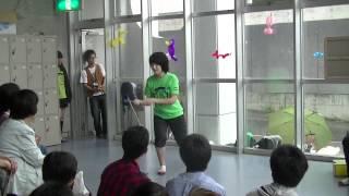 2年生によるフラワースティックの演技です。湘南高校アルコーブにて。