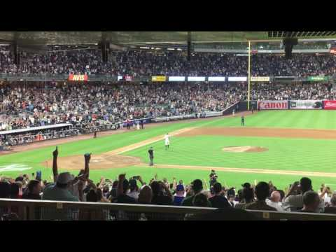 Thumbnail: Alex Rodriguez's takes the field for final time; A-Rod plays 3B (8/12/16)