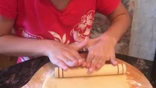 Саидка, Шахришка и Магашка учат нас как быстро приготовить печенье.