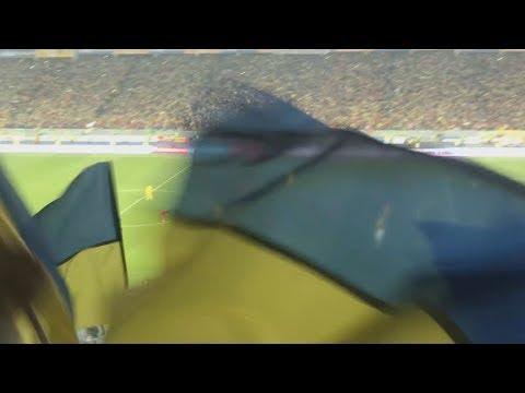 Стадион празднует победу сборной Украины | Украина - Португалия 2:1