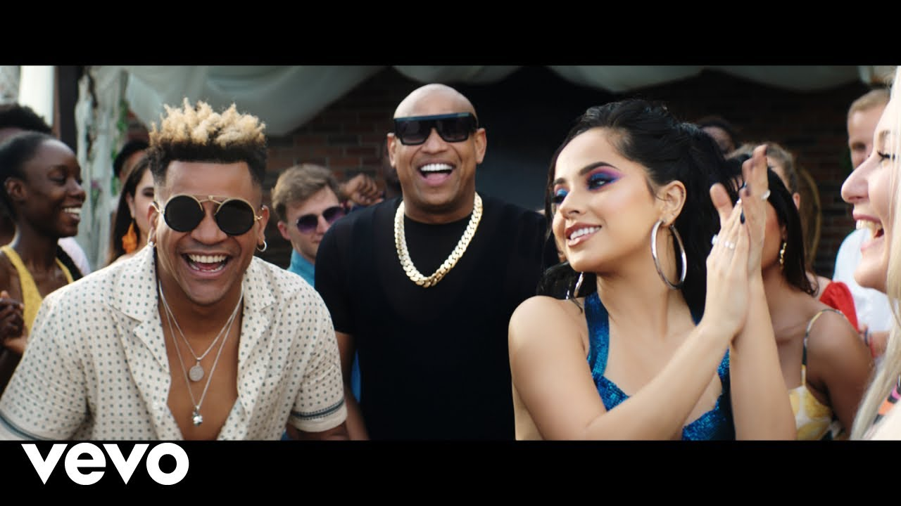 Gente de Zona, Becky G - Muchacha (Official Video)