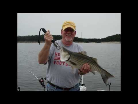 Ed devoss and dwaine glathar fishing for hybrid striped for Fishing report truman lake