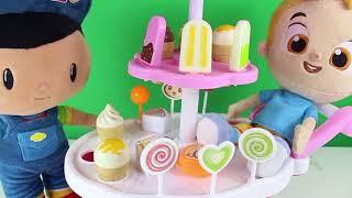Mete Arkadaşları Pepee bebe Ve Niloya Ya Dondurma Dağıtıyor Çizgi Film