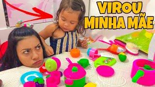 VALENTINA BRINCANDO DE SER MINHA MÃE, OLHA ISSO!! 😂 thumbnail