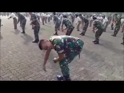 Солдат взорвал интернет.....Танцует Alya Nairi ... Буй буй . Спасибо за лайк