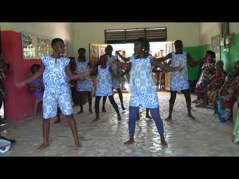 Welcome Dance at Akoma Academy - Ghana Tour May 2017