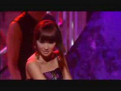 Asia 56 Trish Thuy Trang-Kimi Ga Suki