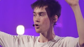 Artist plays the audience like an orchestra. Jacob Collier Improvises The Audience [Toronto]
