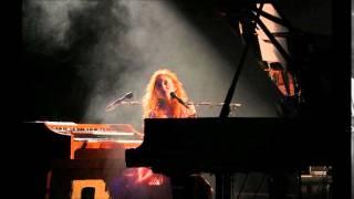 Tori Amos - Red Rain Live in Munich, June 24 2005