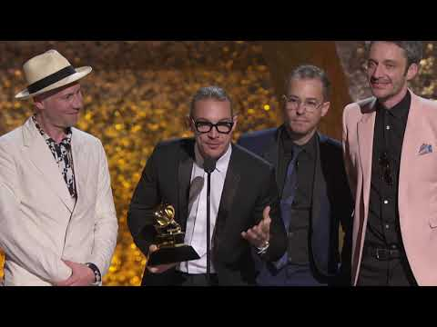 Silk City (Diplo & Mark Ronson) Dua Lipa, Win Best Dance Recording | 2019 GRAMMYs Acceptance Speech