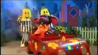 Bannanas in Pajamas dancing and singing to mellow yellow lol :)