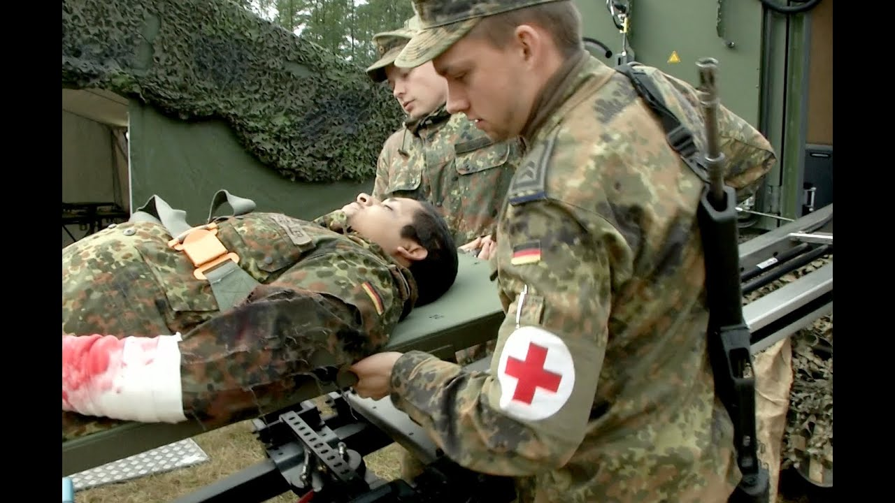 Arzt bundeswehr  ILÜ 2014: Der Rettungsassistent - YouTube