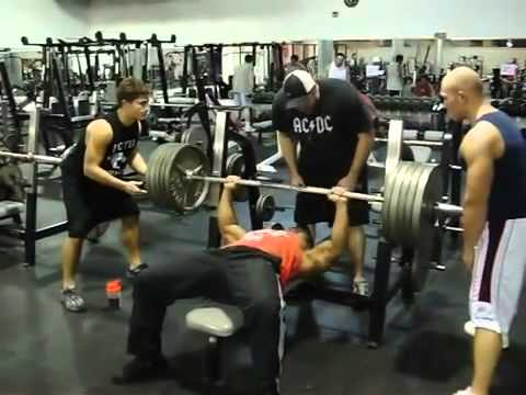 Kaden ABOMINATION Vu bench 500lbs @bodyweight of 199lbs (11/18/2008)