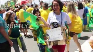 Brazil: Thousands rally in support of Bolsonaro on Rio's Copacabana beach