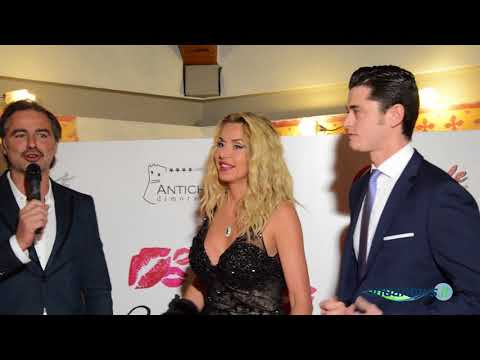 Valeria Marini ospite dell'imprenditore Carmine Cardinale per una cena stellata a Teggiano