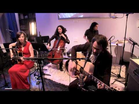 Silversun Pickups - Kissing Families (MTV Unplugged)