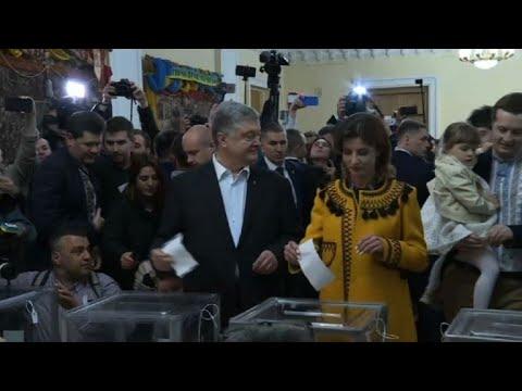 Petro Poroshenko casts ballot in Ukrainian election runoff