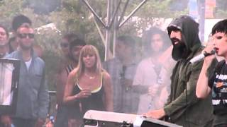Crystal Castles - Crimewave - Lollapalooza 8.5.11