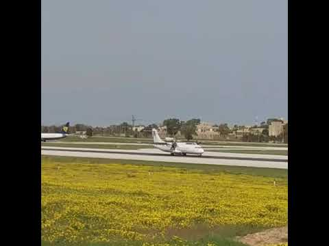 Tunisair Express ATR 72-500 arrival to Malta from Tunis
