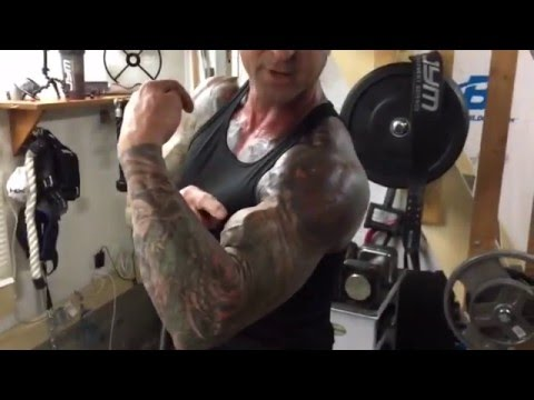 How To Do Hammer Curls To Build Bigger Biceps