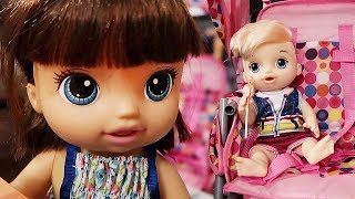 Baby Alive Go Out To Eat at Cafe Baby Alive Roleplay! Baby Alive Stroller?