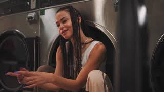 Gamecube Girl Dirty Laundry Dance VIdeo