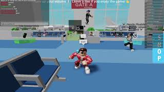 Playing roblox airplane story (it's amazing) and super funny ✈️ 😂