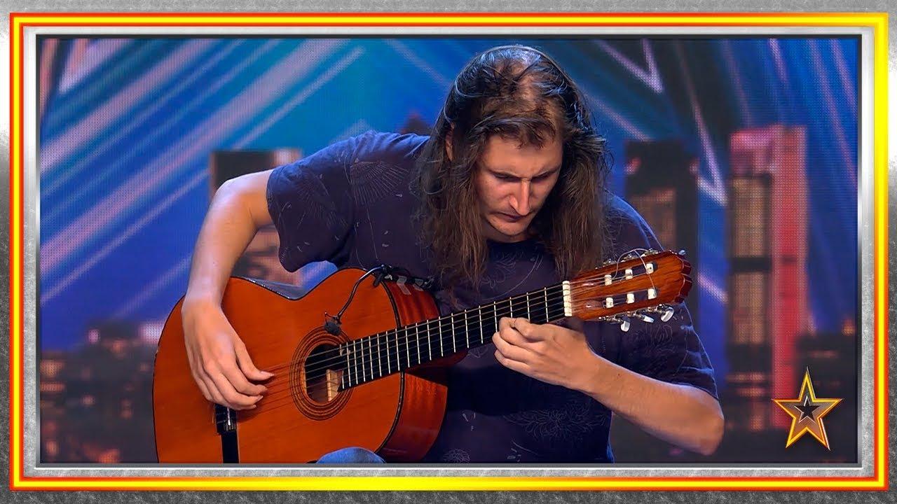 Download La sensibilidad de este guitarrista hace llorar al jurado   Audiciones 2   Got Talent España 2019