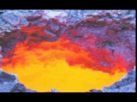 Gateway to Hell found near the city of Urumqi in China Ворота в ад