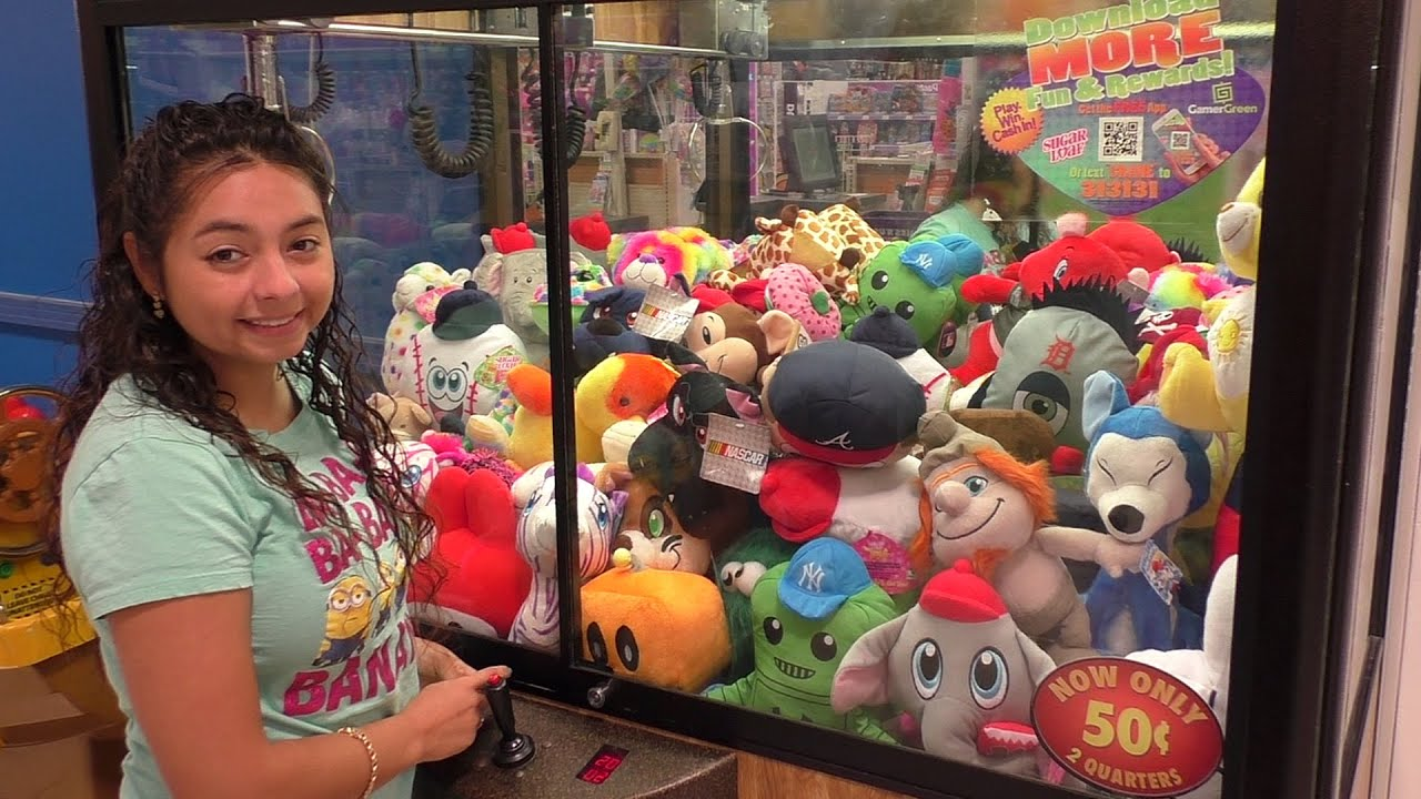 Claw Machine Plush Toys : Quick claw machine wins at toys r us youtube