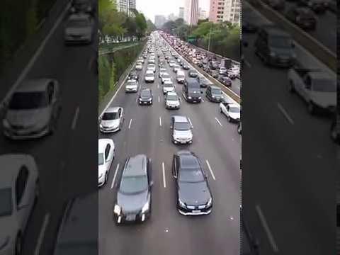 #Está caindo a internet ! Contínua São Paulo 29092017 buzina e confirma a Intervenção Militar