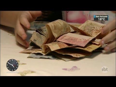 Poupança é investimento mais tradicional e popular no Brasil | SBT Notícias (01/11/17)